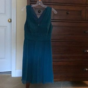 Ann Taylor Dress-formal collection. Size 6p. Green